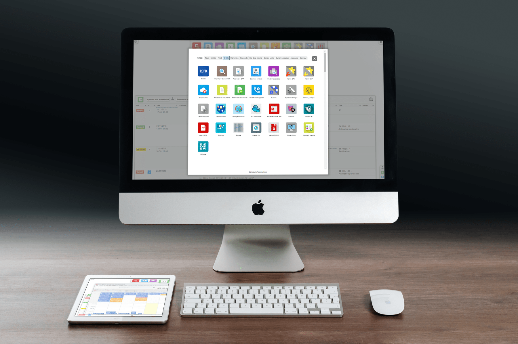 Simple CRM Enterprise-iMac_and_iPad_on_desk-min